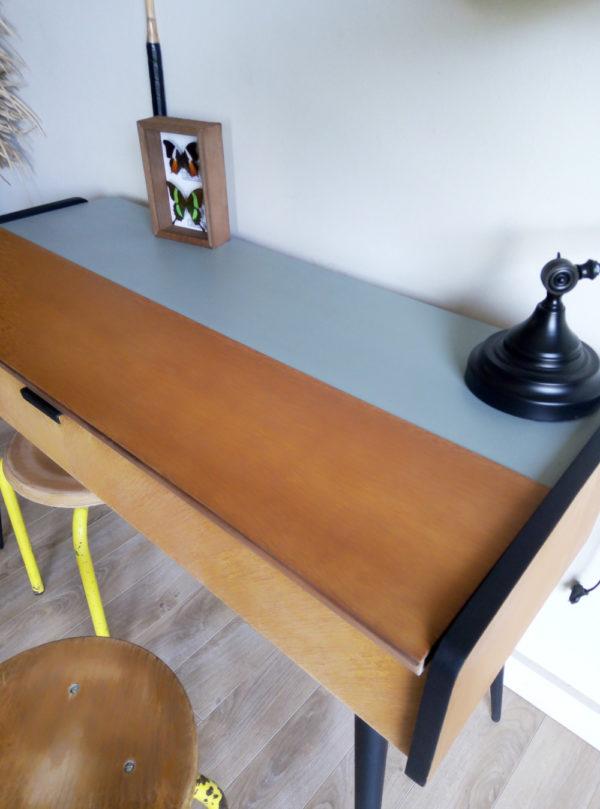 ancienne-tricoteuse-vintage-console