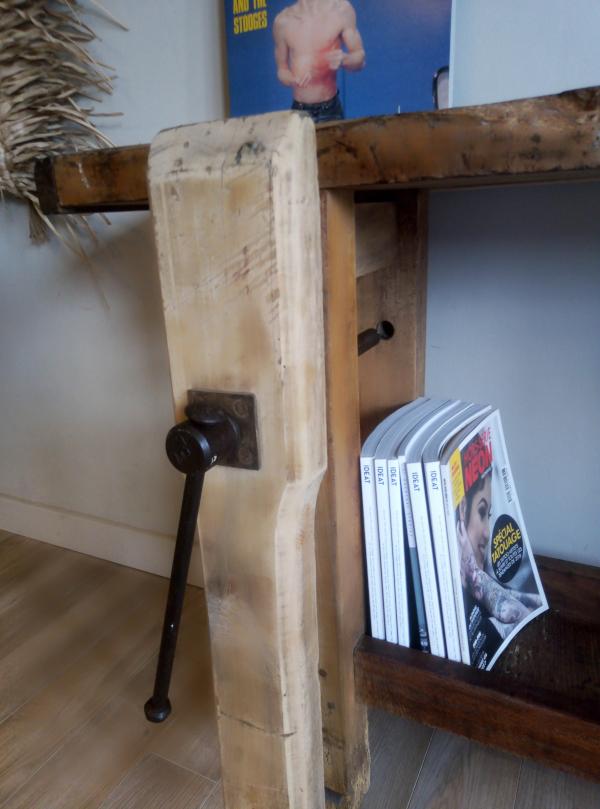 etabli-ancien-atelier-vintage-menuisier-indus